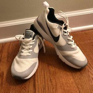 NWOT Nike Air Max sneakers